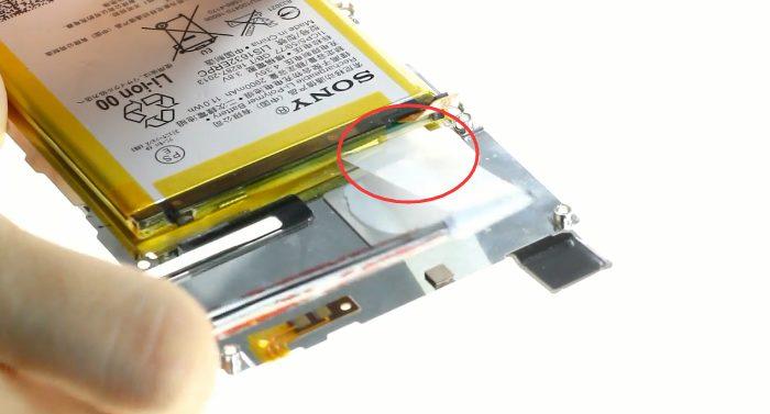 retirer l adhesif de la batteri xperia xz