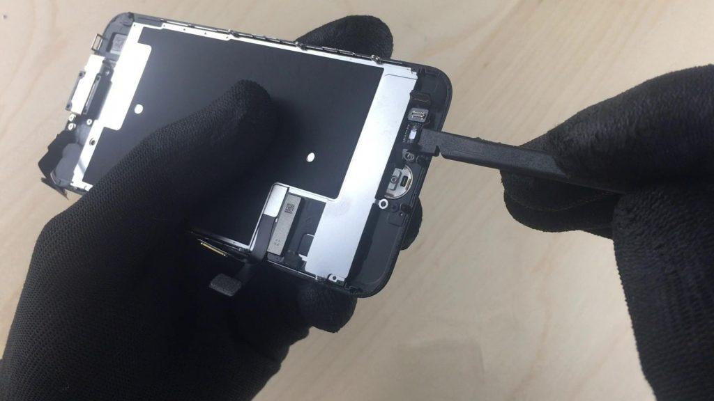 écran de rechange de l'iphone7 depuis le bouton d'accueil