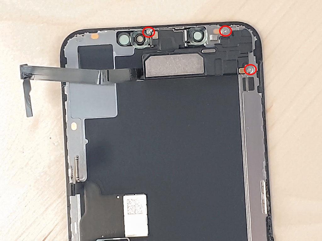 changer l'écran de l'iphone Xs Max en enlevant l'écouteur interne