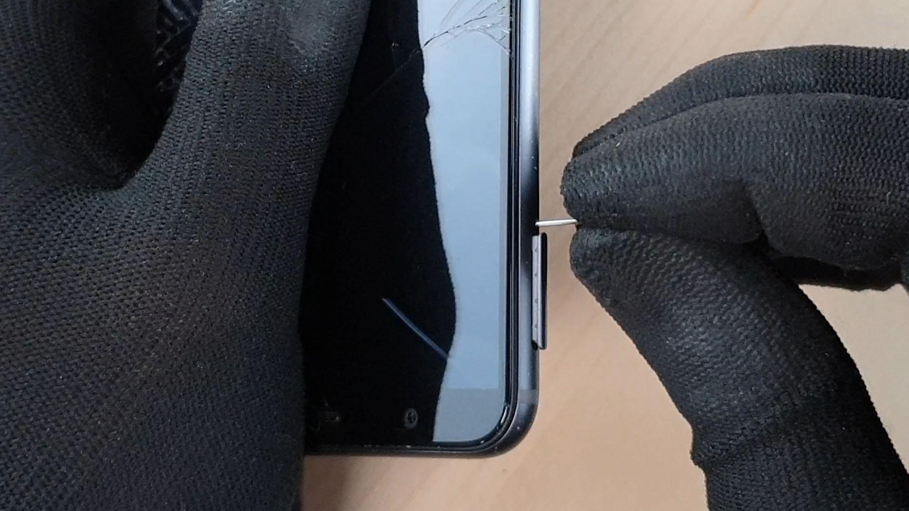 changer l'écran du Honor 7x en enlevant le tirroir sim du téléphone
