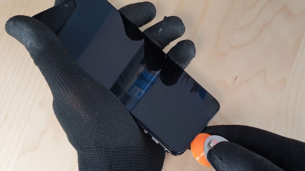 un super outil d'ouverture pour démonter l'écran du p smart 2019