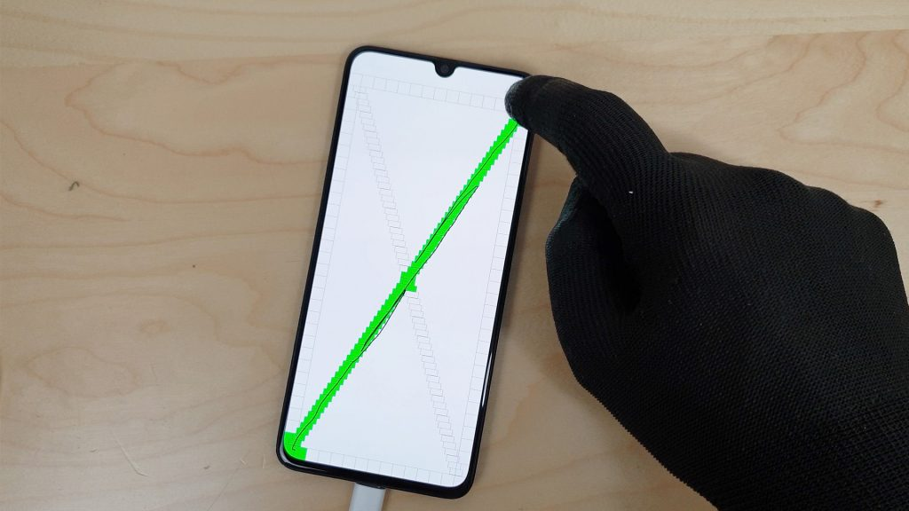 reparer un Samsung a70 tombé dans l'eau en testant l'écran