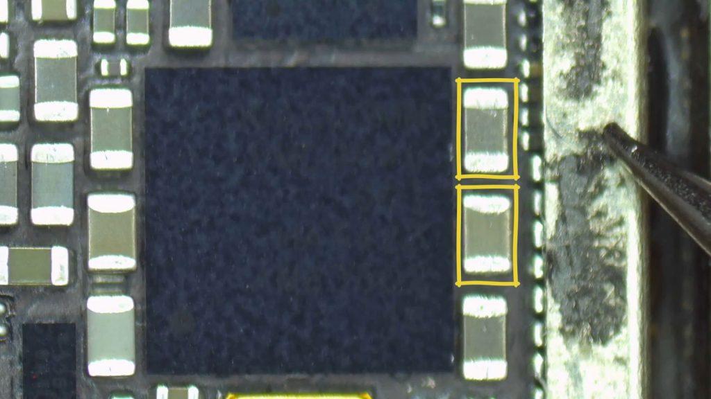 Iphone 7 probleme reseau et deux condensateur defaillant