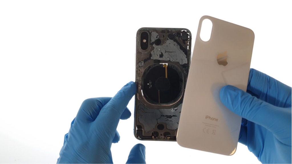 changer la vitre arrière de l'iphone en posant la nouvelle vitre
